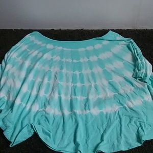A tee-shirt
